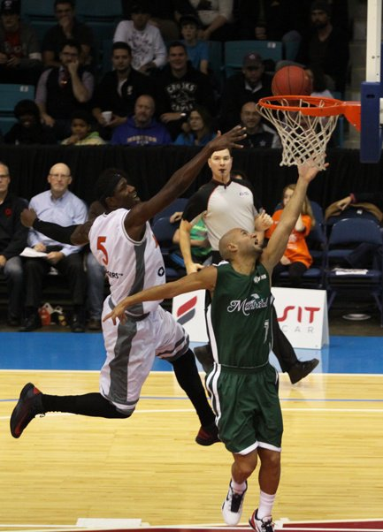 Xavier DELARUE in Moncton Miracles vs Jazz Montreal (04.11.2012)