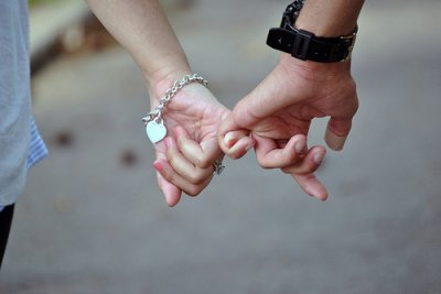 Le bonheur ne se cherche pas : on le rencontre. Il n'est que de savoir le reconnaître et de pouvoir l'accueillir.