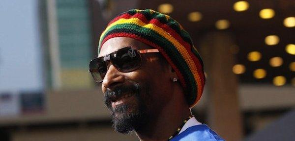 Snoop Dogg devient Snoop Lion et se met au reggae
