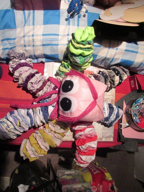 Avec des yoyos j'ai aussi fait une OPHELIE (pieuvre)