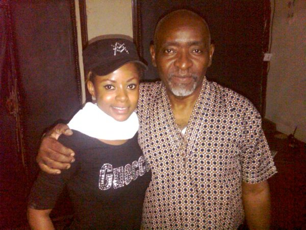 Laurette la Perle poursuit ses travaux d'enregistrement à Brazzaville et y récolte un « succès fou » lors de ses apparitions sur scène