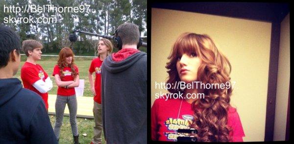 """Bella est devenue la porte-parole de """"Danimal Crunchers"""" avec les frères Sprouse. Elle était sur le tournage de la pub le 14 janvier 2012.                 KIFFE pour être prévenue!"""