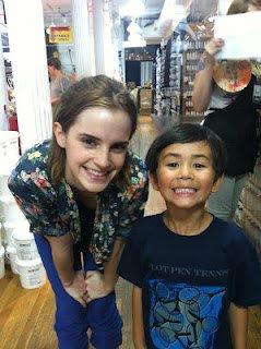 Emma Watson et un petit fan à New York 26 juillet
