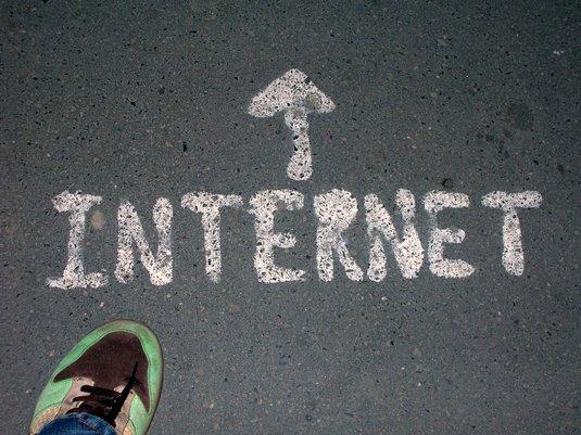 Internet, terre de.....