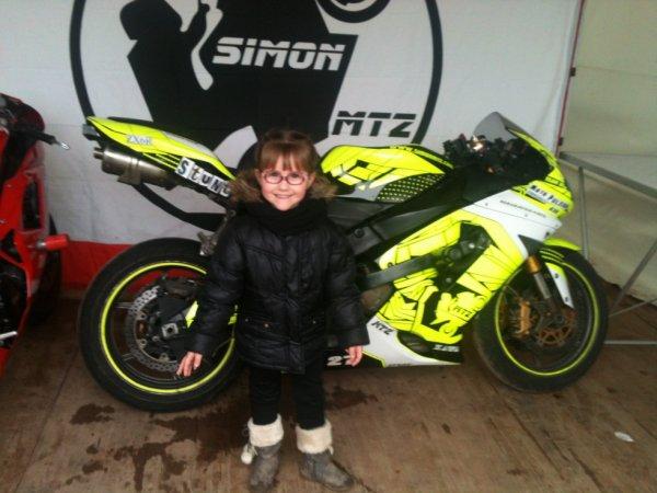 aujourd hui petit sortie en famille au salon de la moto
