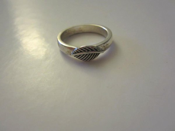 "Bague "" feuille "" simple"