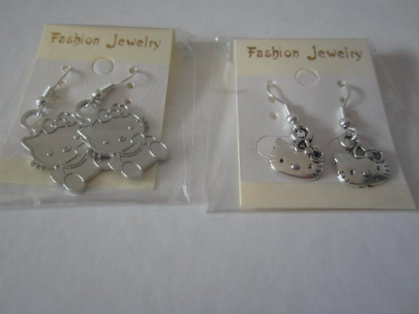 "Boucles d'oreilles "" Hello Kitty """