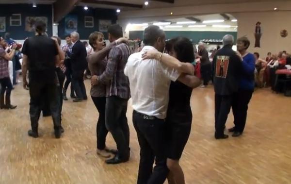 LE DANCE FLOR S'ENFLAMME...