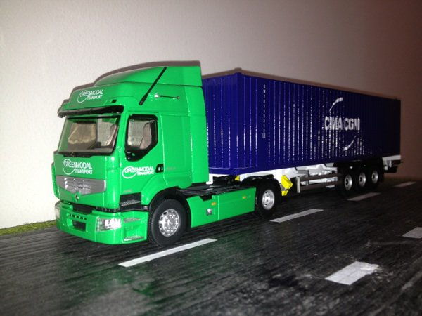 Renault Dxi transports Greenmodal