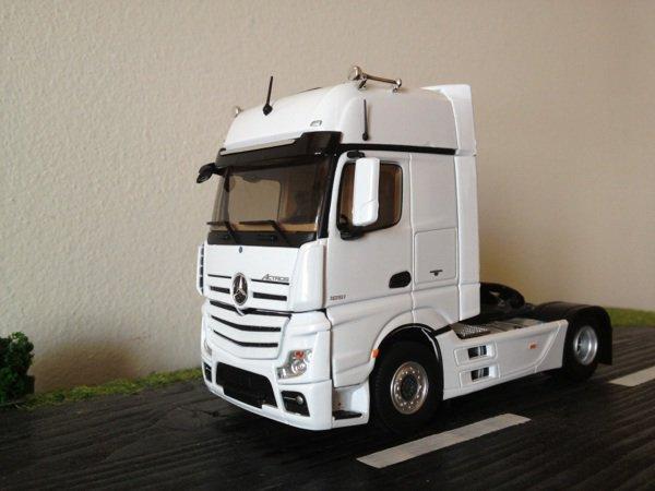 Mercedes mp4 gigaspace