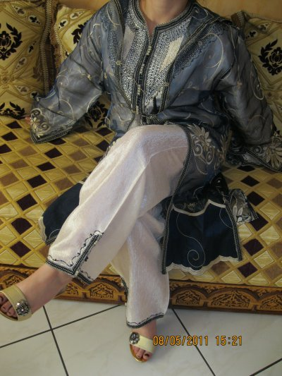 Jabador bleu et blanc 3 pièces Fatima , taille 38 à 42, prix 60 ¤