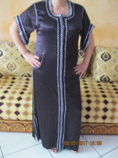 Djellaba satin violette manche courte , taille 38 à 42 , prix 50 ¤