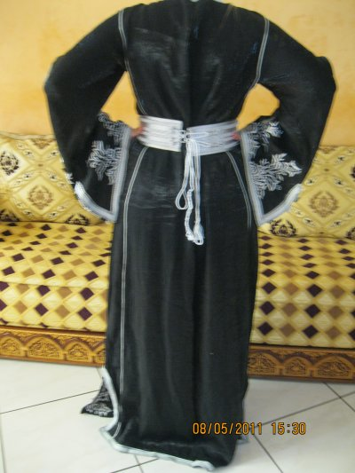 Caftan tafta noir et blanc, taille 38 à 42 , prix 120 ¤
