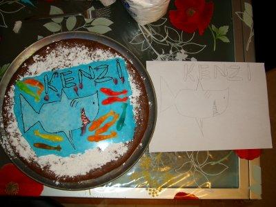Le dessin de sa soeur sur son gateau d 39 anniversaire - Dessin sur gateau anniversaire ...