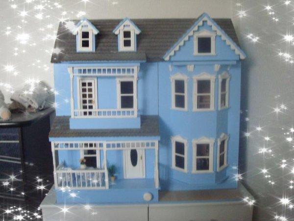 Ma petite maison bleue ...........
