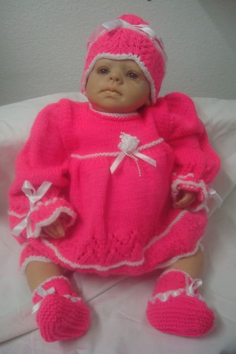 Pinkette ......... ensemble tricoté main ........