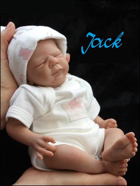 Minuscule Jack .....