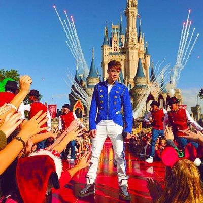 Justin Bieber canta en WorldDisney