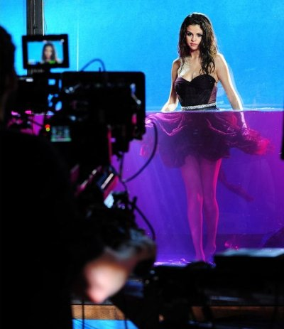 Fotos de Selena para su nueva fragancia
