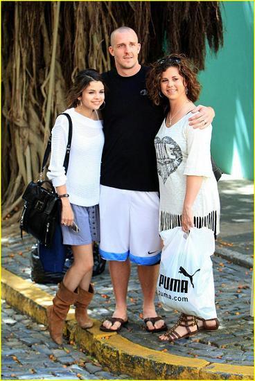 La familia de Selena Gomez tiene una emergencia familiar