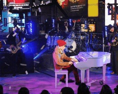 Justin Bieber y Carlos Santana nochevieja a lo Beatles + nueva canción de Justin