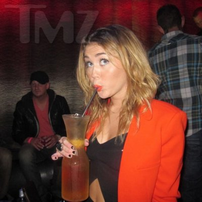 Miley en la fiesta de Liam