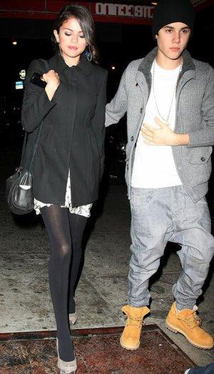 Selena Gomez se separa de The Scene + la cena romantica de Jelena