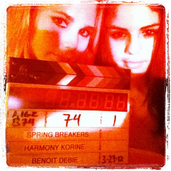 Selena, Vanessa y Ashley: arrestadas (Spring Breakers)