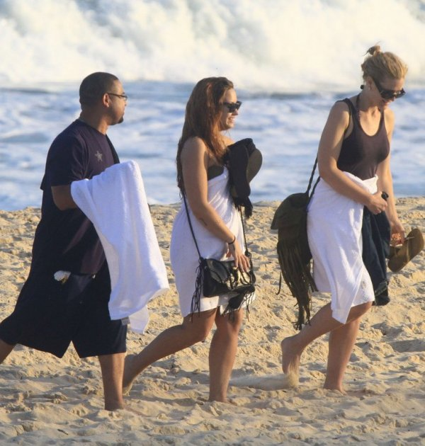Demi Lovato en la playa