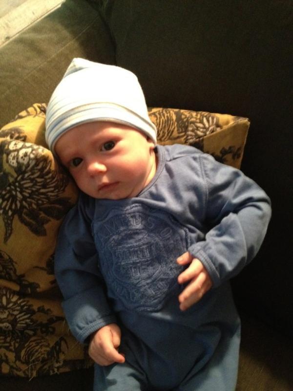 Más fotos del hijo de Hilary Duff