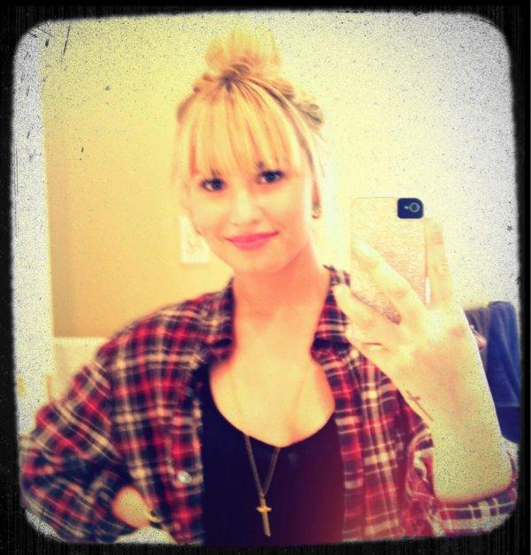 Demi Lovato: nuevo look
