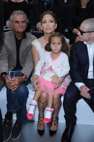 Jennifer Lopez y su hija en la fashion week de Paris, Chanel