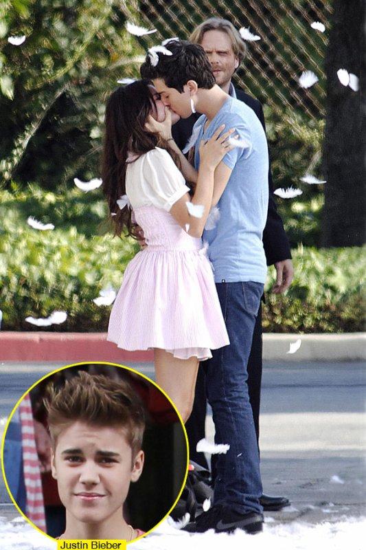 Nat Wolff: Espero Justin Bieber no me odie por besar a Selena Gomez