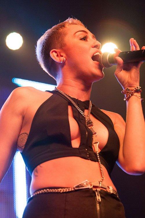 Miley Cyrus otra vez en los escenarios