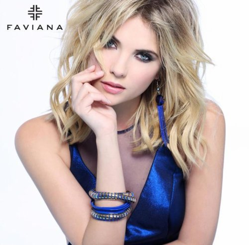 Ashley Benson: sensión de fotos para Faviana