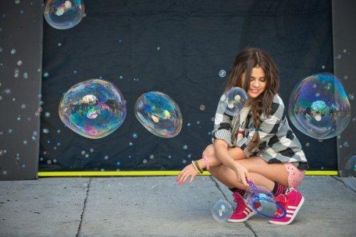 Selena Gomez para NEO Adidas