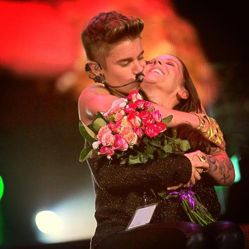 Justin Bieber en Los Simpson + su madre es su OLLG