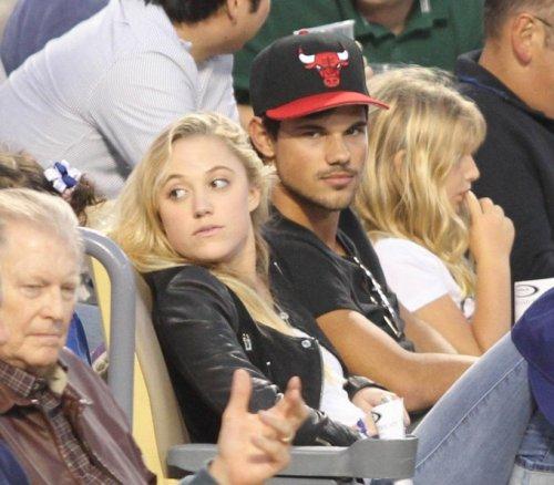 ¿Taylor Lautner tiene novia?