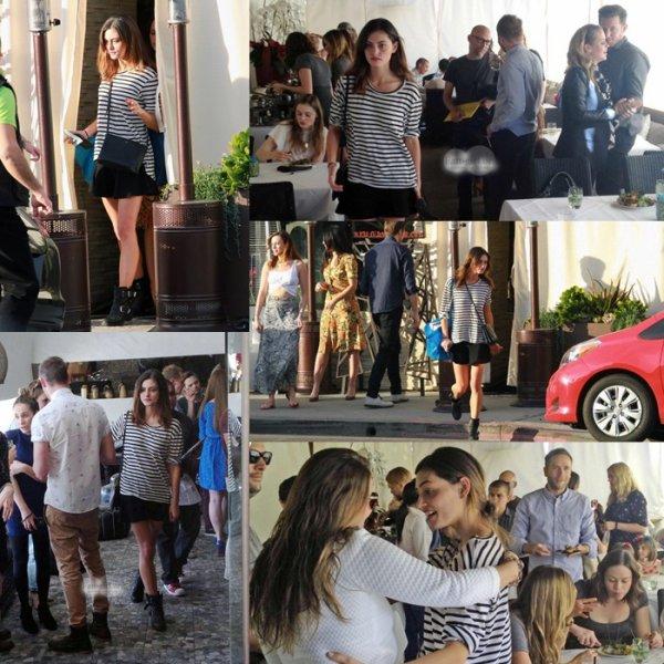 15 Décembre 2013: Phoebe et Claire Holt étaient à la baby shower de Teresa Palmer.