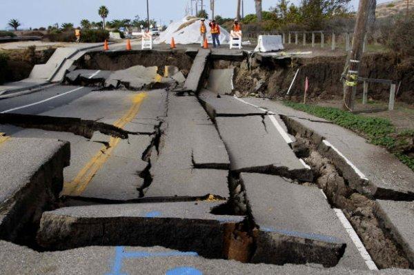 USA : ALERTE = La Californie est en train de s'effondrer !
