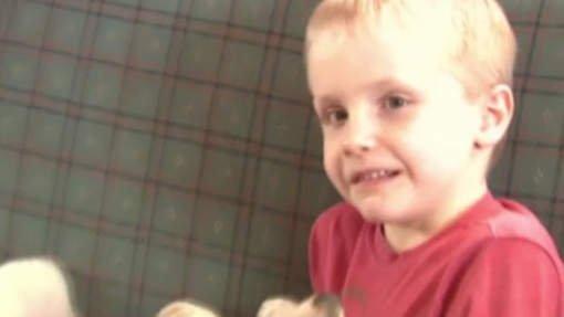 USA : A six ans, il est accusé de harcèlement sexuel pour un bisou sur la main.