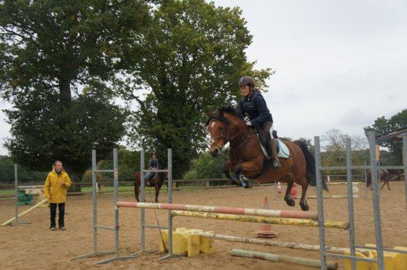 Parce que ce poney est le meilleur <3 qu'il peut parfois sortir des sauf de ouf <3
