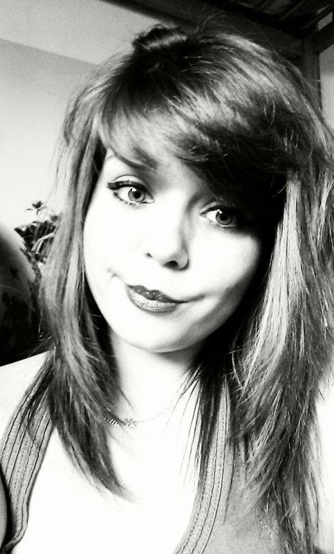 Il y a toujours quelque chose cacher derrière un sourire