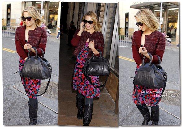05 Avril 2012 : Dianna faisait (encore) du shopping dans Los Angeles, côté tenue je n'aime pas trop... Top ou Flop ?