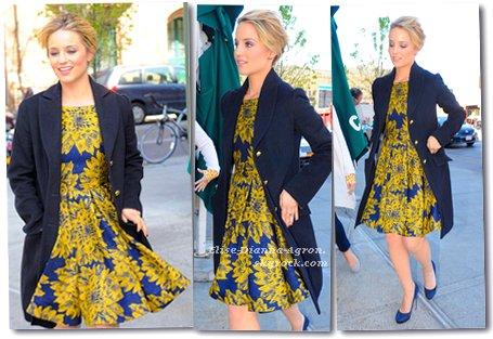 09 Avril 2012 : Dianna sortait du plateau de The View dans New York. Côté tenue, j'aime beaucoup, pour moi c'est un Top! Et vous ?