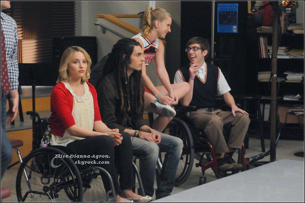 Pour commencer, une vidéo où Dianna parle de Glee et de l'accident, ensuite Dianna dans Punk'd , et pour finir Dianna sur le plateau de Jimmy Kimmel Live, elle était magnifique!