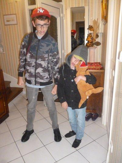 Départ en vacances des enfants avec leur Papy et Mamie