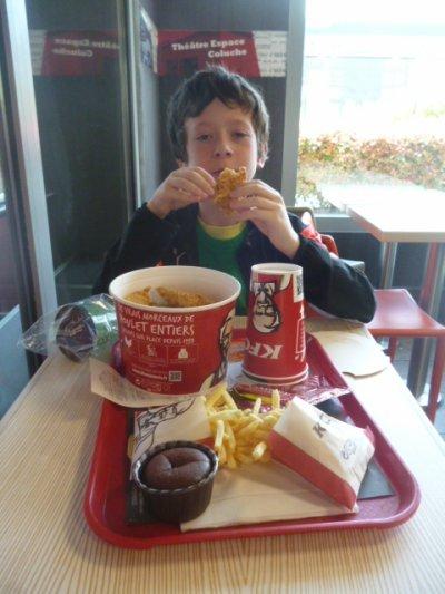 Animations sur la ville : meilleurs amis avec un KFC en tête à tête avec Maman pour l'anniv'