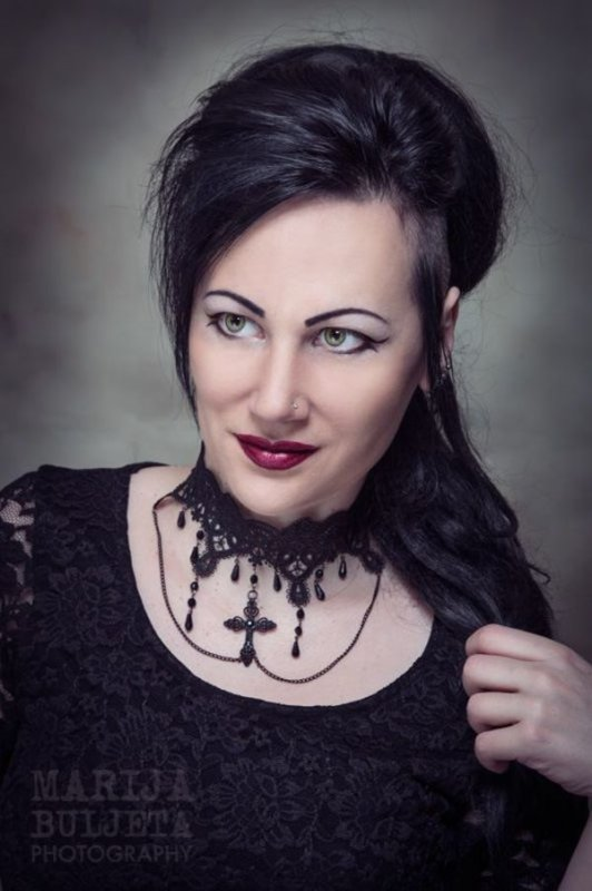 Rosalyn Gothic Jewelry : créatrice
