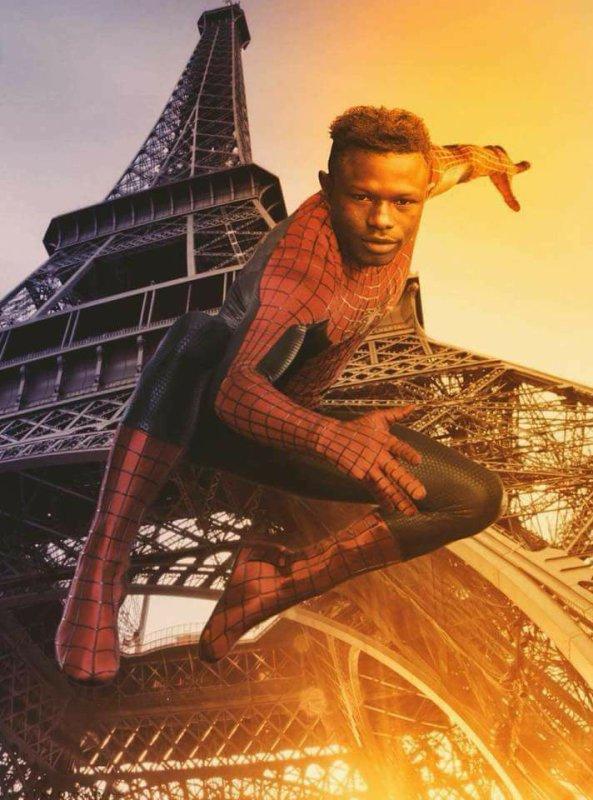 Quelle tristesse ! Spiderman malien : pauvre Manu, il les collectionne en c'moment ! XD